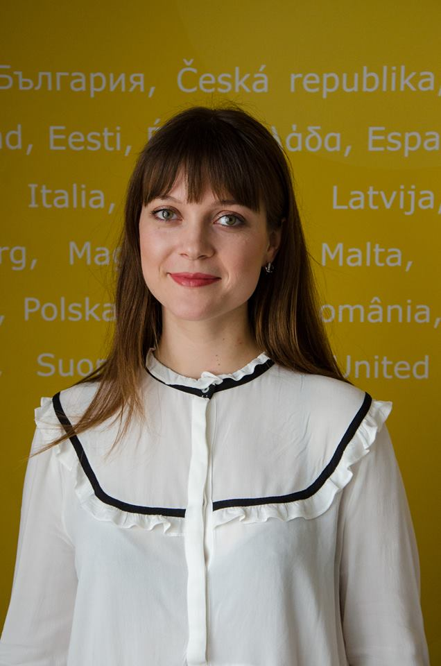 Tana obtained her licence in Political Studies at Free University of Brussels and holds a Master Degree in European Studies from KU Leuven, her specialty being EU External Relations. During her bachelor degree she got noticed through the participation and coordination of the ULB Delegation to International Model NATO Conference in Washington D.C., in which she received the Distinguished Delegation Award for her activity in the North Atlantic Council. She was also rewarded with the First Prize for the Model EU simulation held at the European Economic and Social Committee. Her master thesis consisted in a case study of the implementation of EULEX mission in Kosovo and of the European Neighbourhood Policy towards Tunisia, formulating recommendations on how the new EU Global Strategy for Foreign and Security policy should present. Her main interests in political field are the national electoral mechanisms and processes, the EU foreign and security policy, solving world conflicts. Since 2016 she works in the European Commission in the Learning and Development Unit from the Directorate-General of Human Resources.
