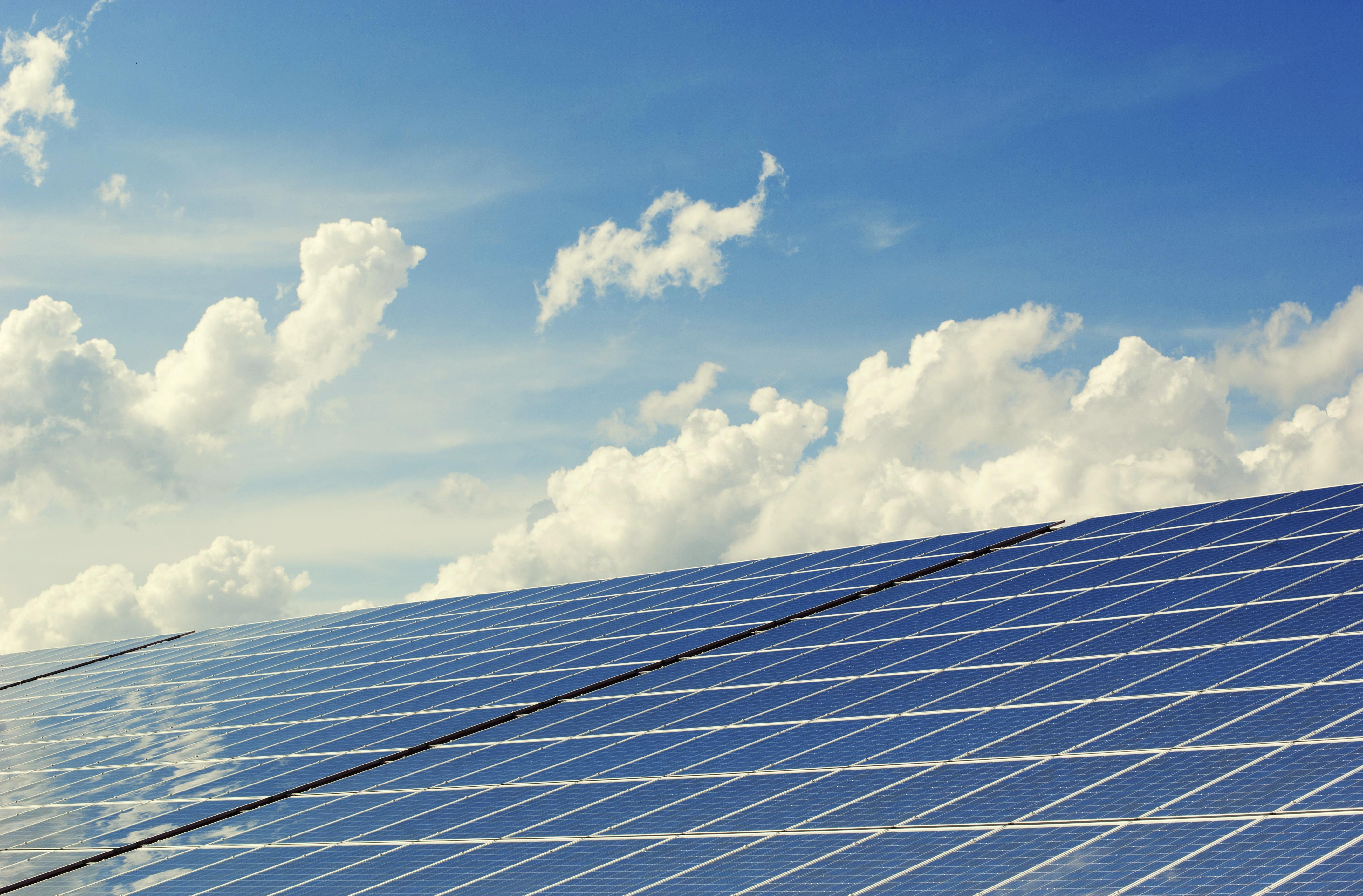 UE vrea energie regenerabilă și eficiență energetică